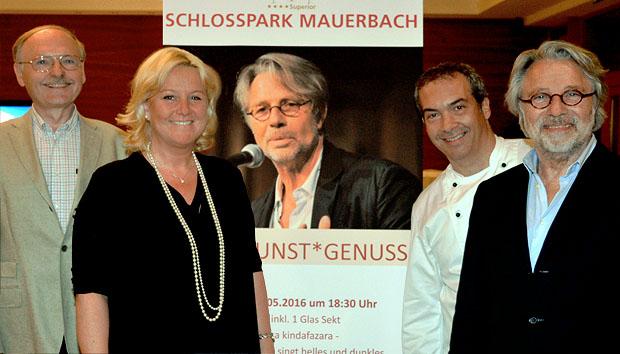 Adi Hirschal las und sang in Mauerbach