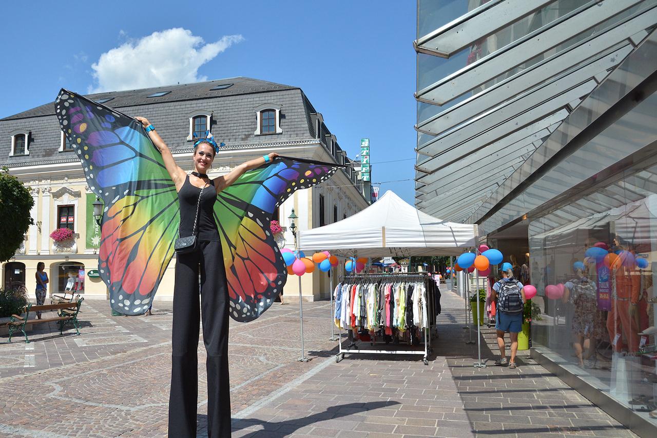Straßenkünstler & Musiker bieten Unterhaltung in der Tullner Innenstadt